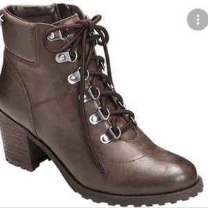 Womens Combat Style Ankle Boot with Chunky Heel